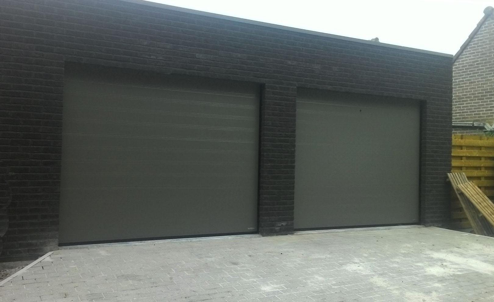Grijze garagepoorten